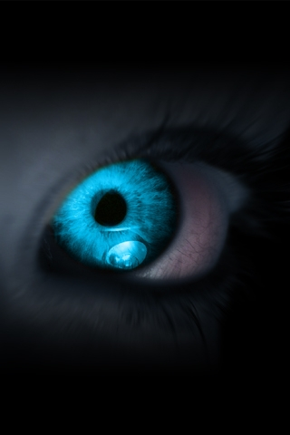 fantasy-blue-eye-glow